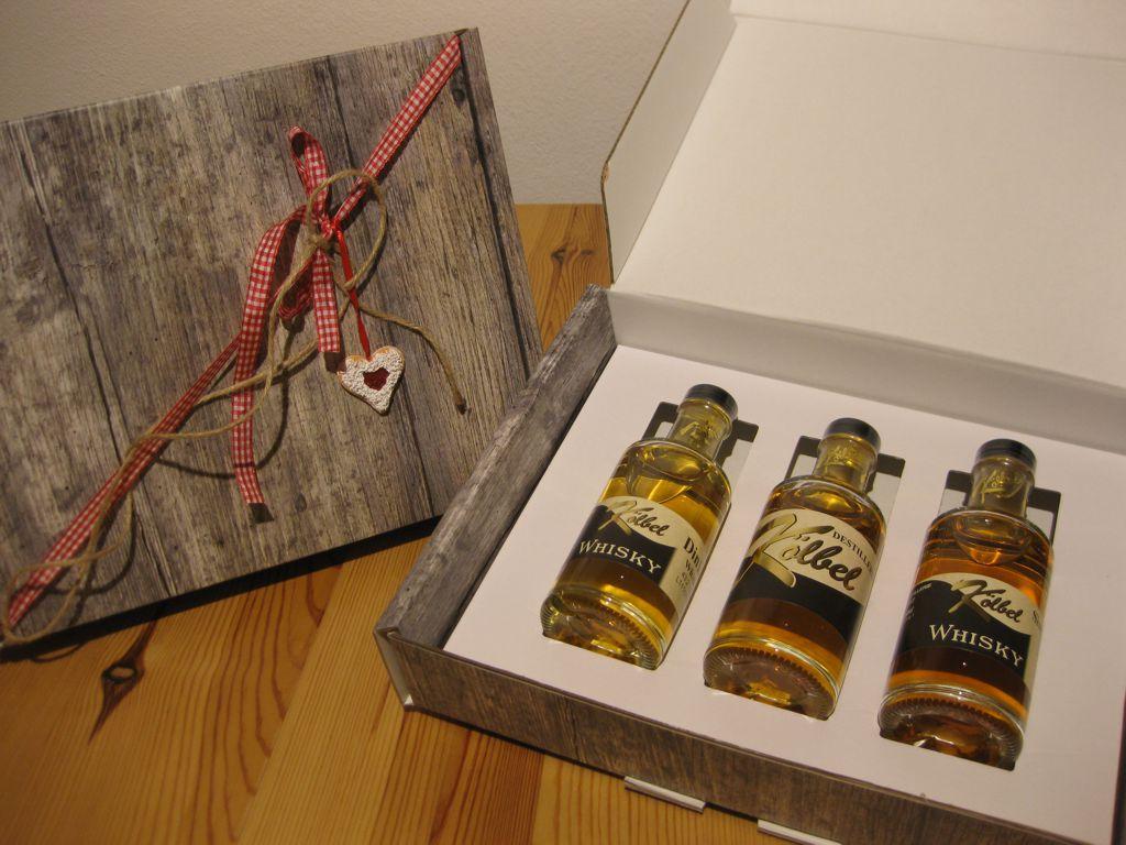 Geschenkkarton in Holzoptik